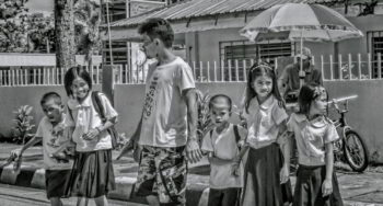 Filipno school children